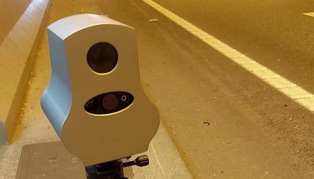 Un dels aparells de control de velocitat que ha provat Mobilitat aquest matí al túnel de la Tàpia.