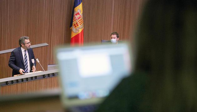 El ministre de Finances durant una de les intervencions a la sessió de Consell.