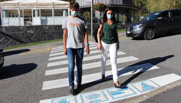 El pas de vianants habilitat a Ordino