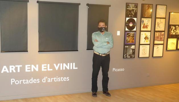 Antonio Lafuente, comissari de l'exposició 'Art en el vinil'