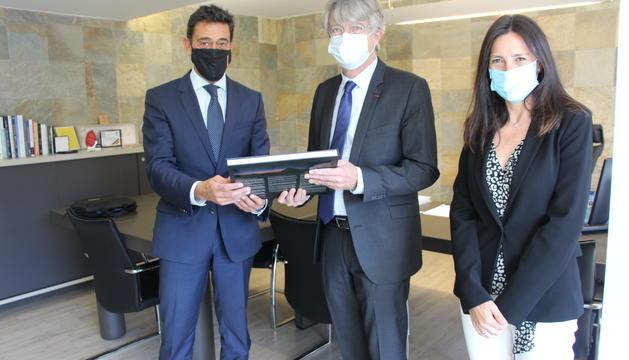 L'ambaixador de França a Andorra amb els cònsols d'Ordino