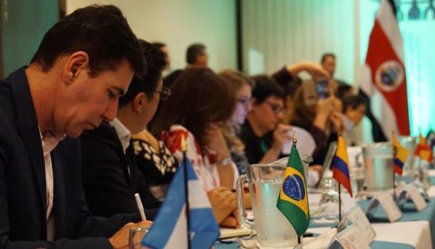 Una de les reunions presencials prèvies a la Cimera Iberoamericana