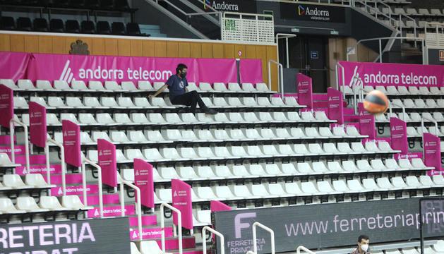 El Poliesportiu romandrà encara amb les grades desertes per al primer partit de l'Eurocup.