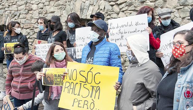 Manifestació contra el racisme, al juny davant elConsellGeneral.
