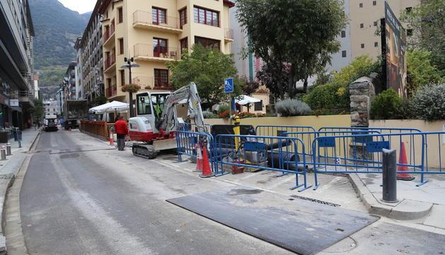 Les obres al carrer de la Casa Comuna de Sant Julià
