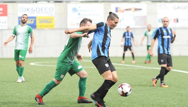 La primera jornada de lliga, en principi el 22 de novembre, creua Inter Escaldes i Sant Julià.