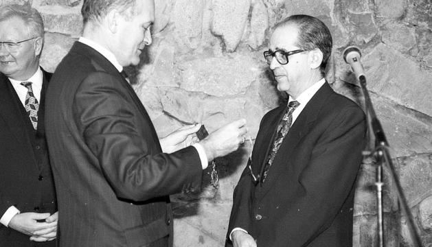 Eduard Rossell va rebre la quarta insígnia