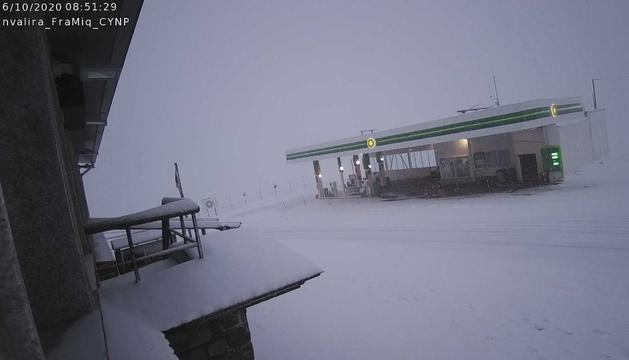Una imatge d'aquest matí de la neu al Port d'Envalira