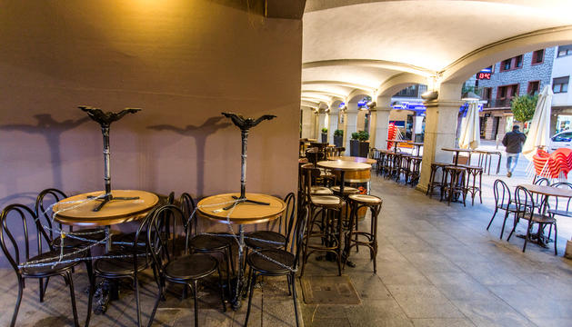 Un bar de la plaça Guillemó, a Andorra la Vella.