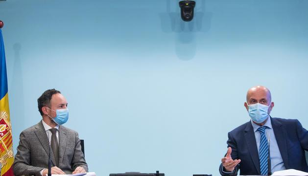 El cap de Govern, Xavier Espot, i el ministre de Salut, Joan Martínez Benazet, a la roda de premsa d'ahir.