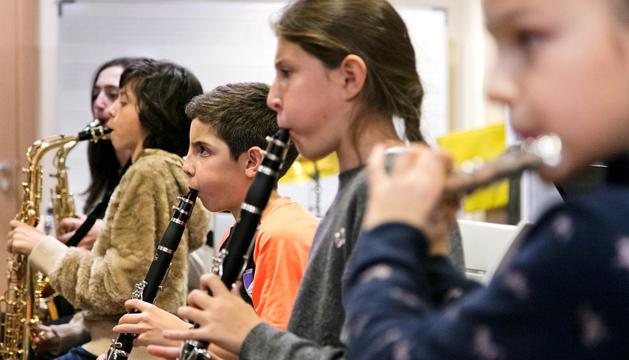 Estudiants de l'escola de música abans de la Covid-19.