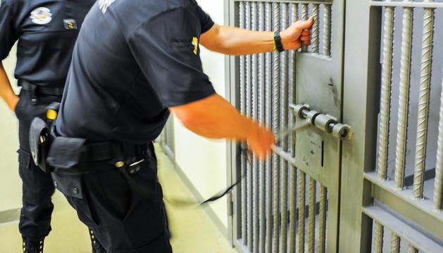 La direcció de la presó continua amb la investigació del brot.