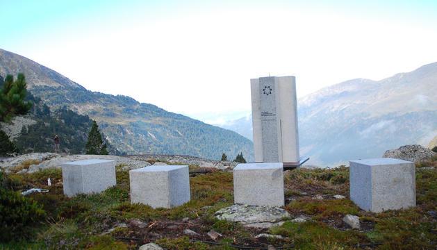 Monument en record de les víctimes a Juclà