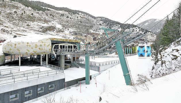 El sector de la neu comprèn la decisió del Govern de mantenir l'obertura al gener.