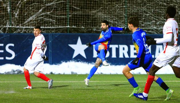 L'espectacular xut de Carlos Martínez que va suposar l'1-0.