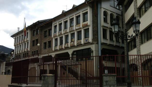 La façana de l'escola francesa de la Massana
