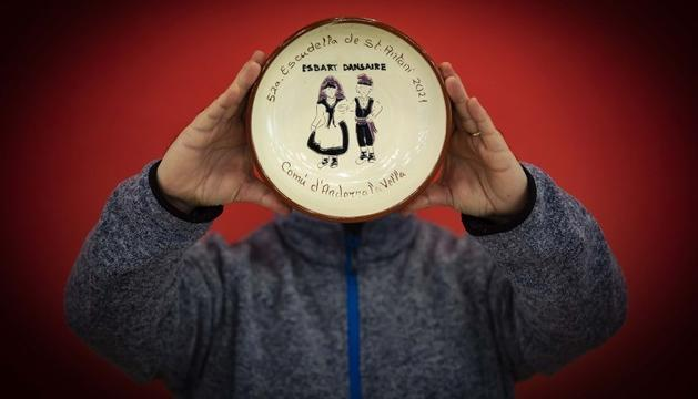 El plat commemoratiu de l'escudella de la capital d'aquest any