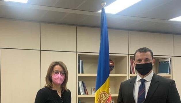 La directora general d'Andorran Banking, Ester Puigcercós, i el ministre de Presidència, Economia i Empresa, Jordi Gallardo