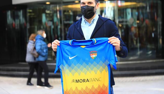 Eder Sarabia amb la samarreta de l'FC Andorra.