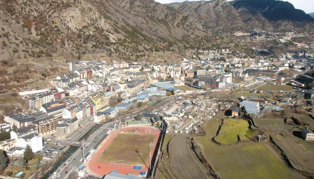 Vista aèria de l'Estadi Comunal Joan Samarra.