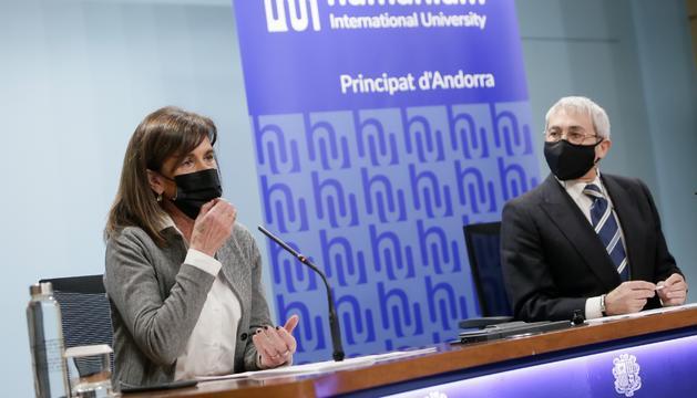 Ester Vilarrubla i Eugenio Martín han presentat la nova universitat