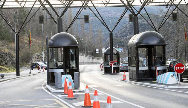 La frontera hispanoandorrana sense vehicles circulant.