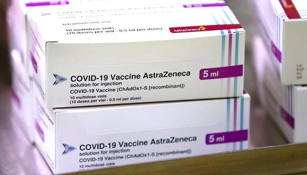 Capses que contenen la vacuna d'AstraZeneca.