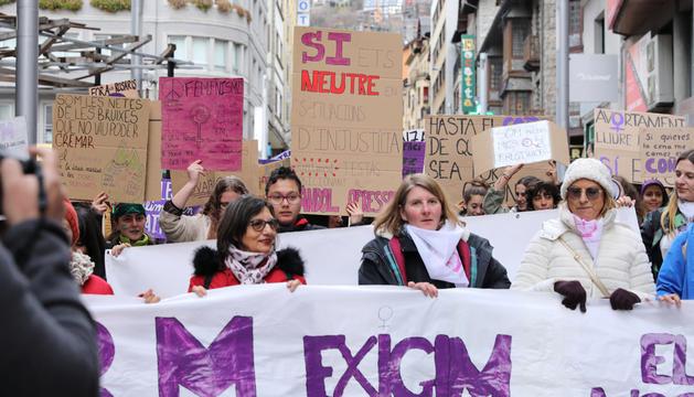 Manifestació feminista al Principat.