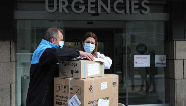 Les vacunes d'AstraZeneca a la porta de l'hospital