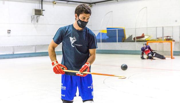 Arnau Dilmé, durant un entrenament de l'Andorra HC.
