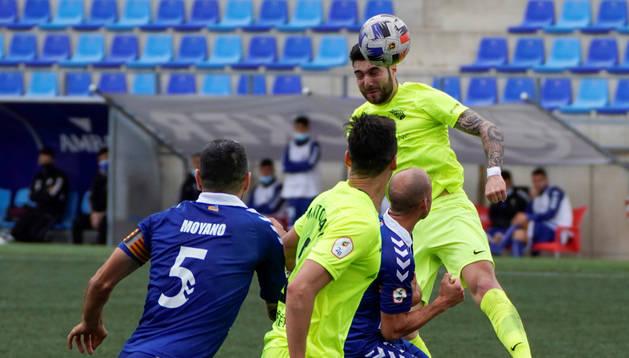 L'FC Andorra es va estavellar a Badalona en un partit fluix.