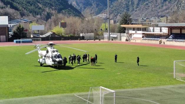 L'helicòpter amb el qual s'han realitzat les proves al Comunal per a l'arribada dels reis d'Espanya.