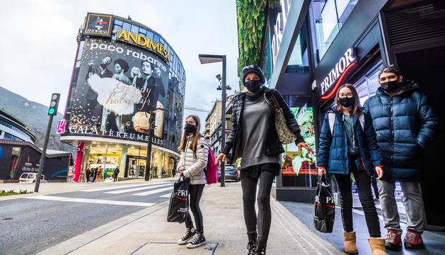 L'agonia dels comerciants i els hotelers s'allarga sense els turistes