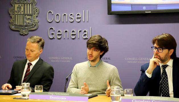 Els consellers de la majoria, Ferran Costa, Carles Enseñat i Carles Naudi d'Areny-Plandolit.