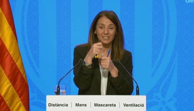 La consellera Budó durant la roda de premsa.