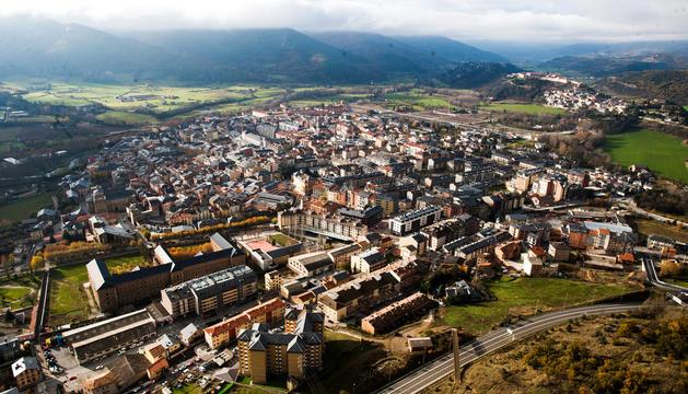 Vistes aèries de la capital de l'Alt Urgell.