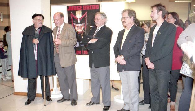 Els CINC autors convidats en la primera edició.