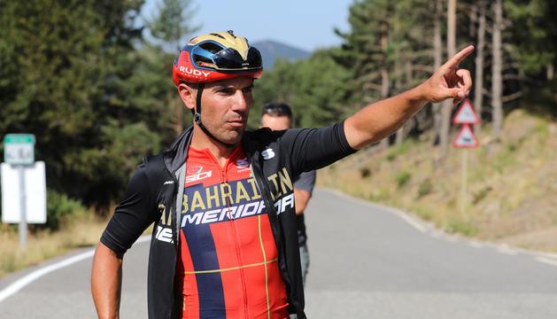 L'exciclista resident Joaquim 'Purito' Rodríguez, fa una indicació en un moment de la darrera edició de la prova.
