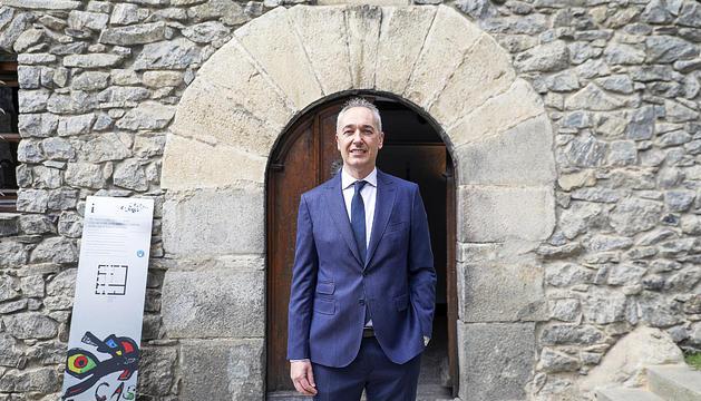 El nou notari, Jordi Junyer, després del jurament.