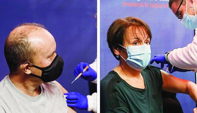 El ministre d'Interior, Josep Maria Rossell, i la síndica general, Roser Suñé, van rebre ahir al vacuna.
