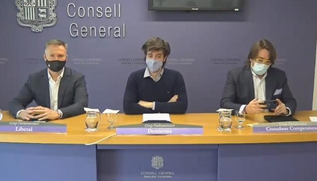 Ferran Costa, Carles Enseñat i Carles Naudi durant la roda de premsa d'aquest matí.