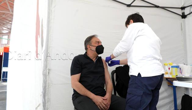 El Raonador del Ciutadà reb la vacuna AstraZeneca