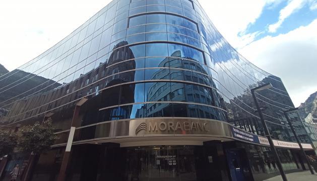 L'agència destaca el bon posicionament a Andorra, el creixement exterior, la solvència i l'eficiència del banc