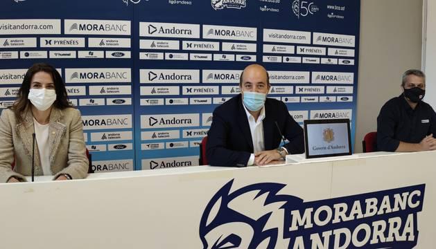 Riva, Aixàs i Fernández, en la roda de premsa de presentació de la campanya de donació.