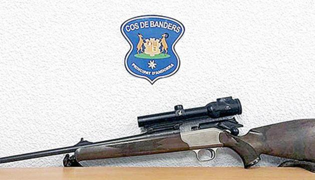 Un dels rifles comissats pels banders en un operatiu contra la caça il·legal.