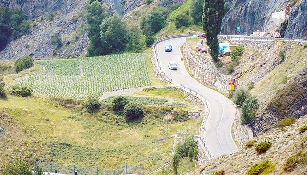 La carretera d'accés al coll d'Ordino.