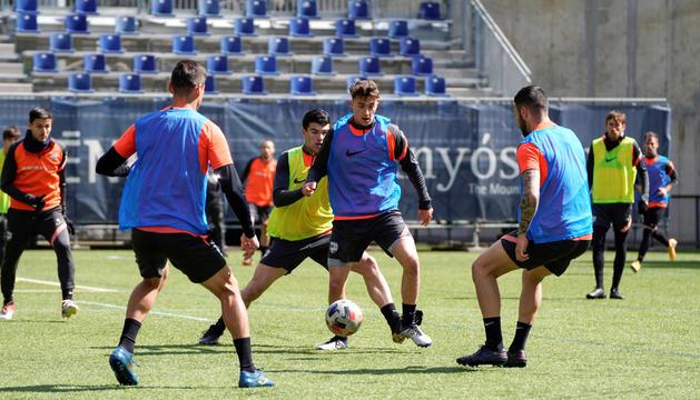 L'equip va fer ahir l'últim entrenament abans del partit.