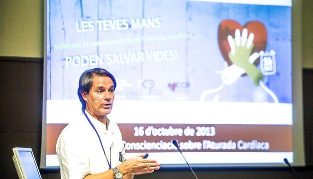 Margarit en una conferència sobre aturades cardíaques.