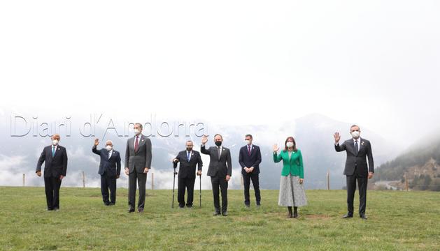 Els caps d'Estat i de Govern abans de dinar a Montaup