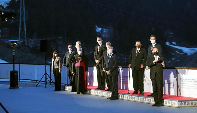 Els caps d'Estat i de Govern a la foto oficial a Soldeu just abans de la inauguració de la Cimera.